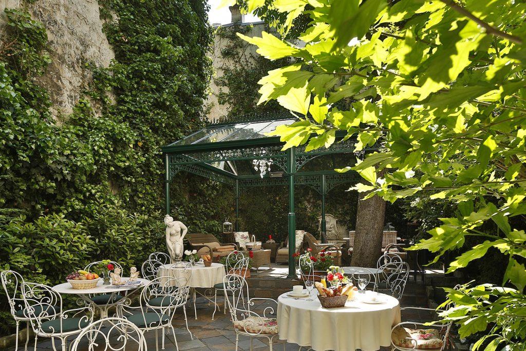 TERRASSE HOTEL DES MARRONNIERS PARIS