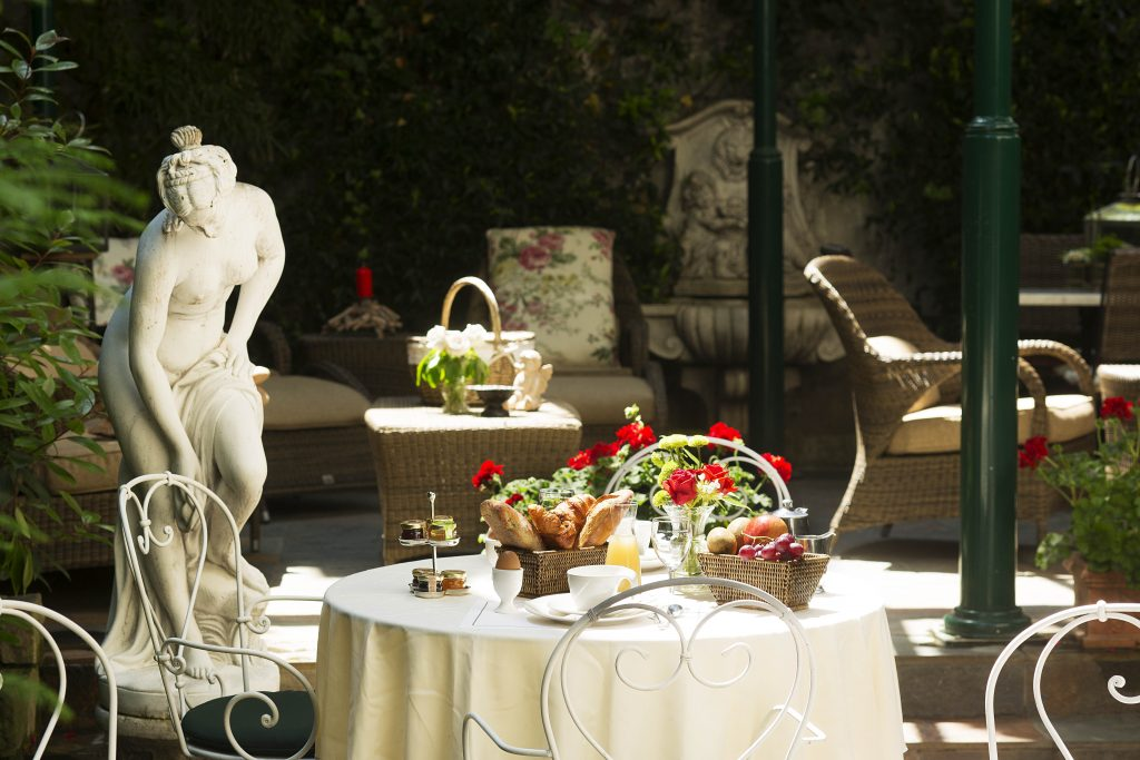 Offer a Hotel night in Paris City Center