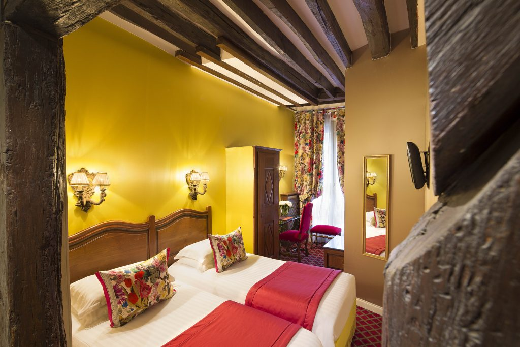 Book a Hotel Room for the Paris Motor Show