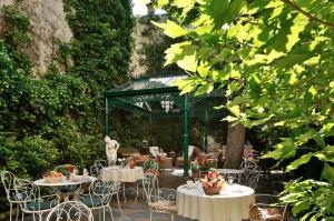 Spend Summer Holidays in Paris Center
